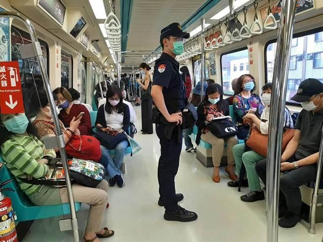 捷運警察統計過去5年共發生性騷擾案131件、偷拍案共126件,提醒民眾如遇侵犯應立即出聲制止。(圖:捷運警察隊提供)