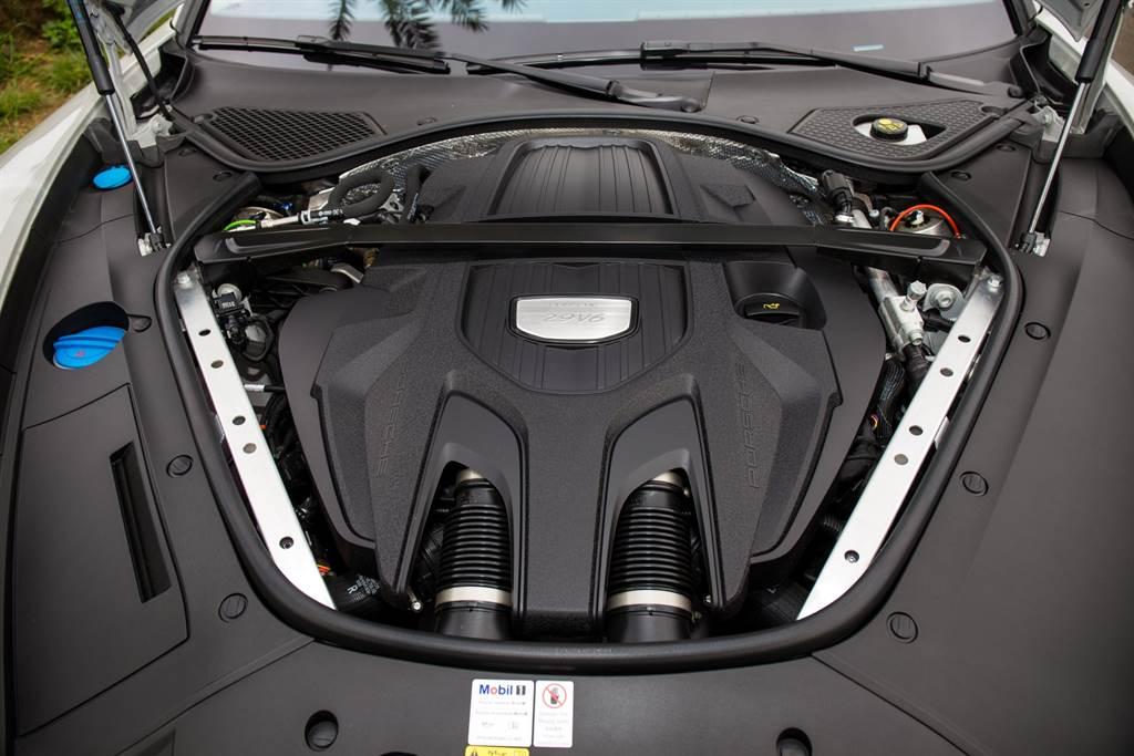 雖然換了新引擎,但動力數據維持過往並未增減,僅最大扭力輸出區間略為延遲至1800rpm。