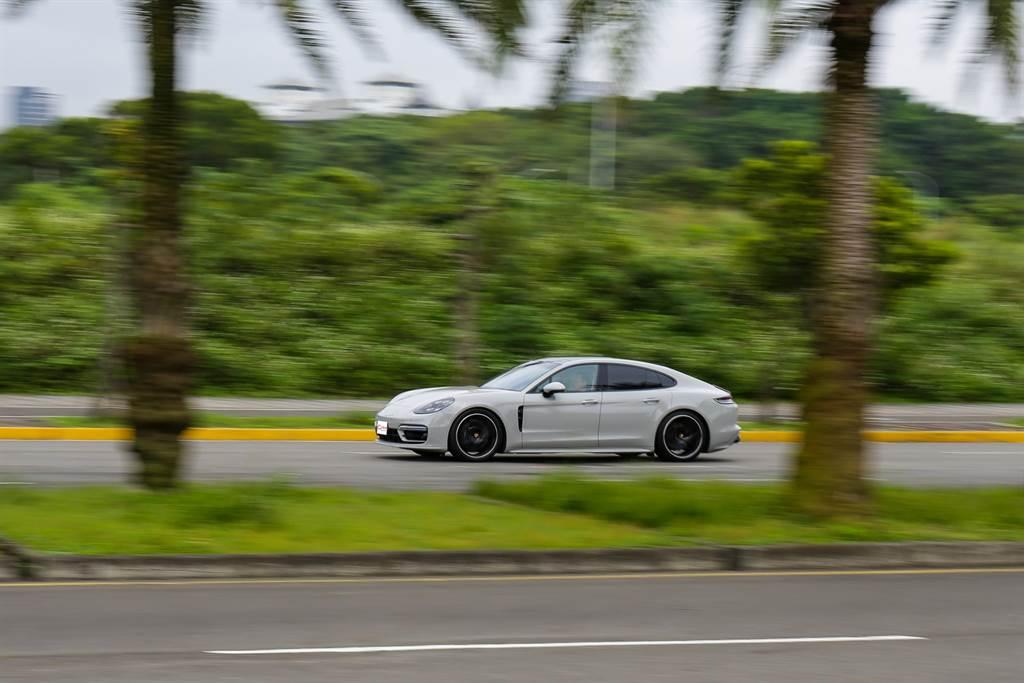 日常駕駛輕鬆舒適,同時兼具性能,就是GT跑車最大特色。
