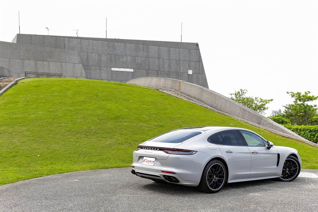 Panamera毫無疑問是當今四門GT的代表作!