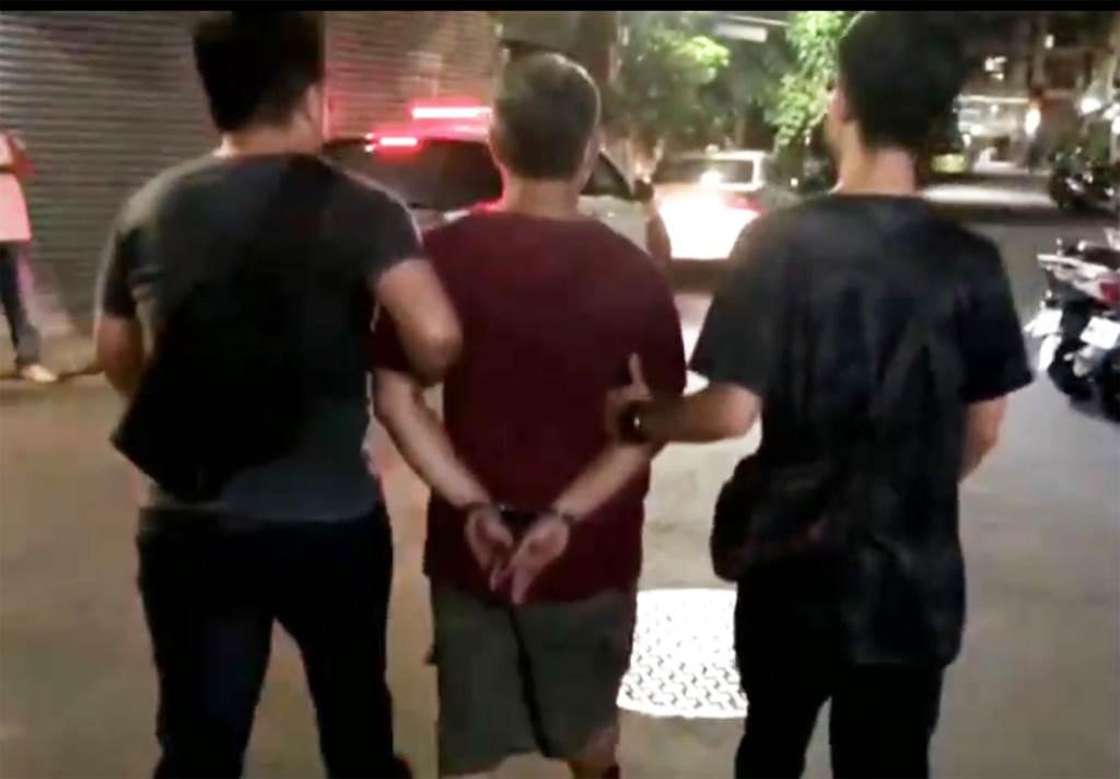 警方於2小時內就將廖姓男子逮捕到案,依法移送法辦。(陳世宗翻攝)