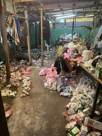 母子窩破屋與回收物為伍 善心志工助母子展笑顏