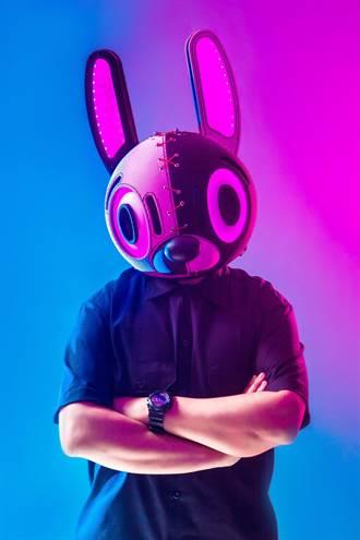 USAGii無厘兔 砸6位數打造二代兔頭頭盔