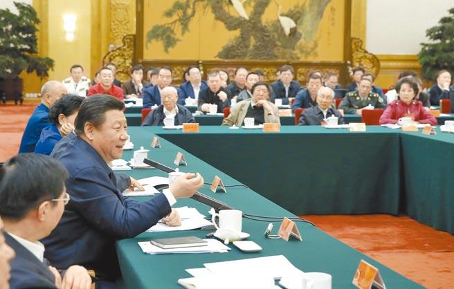 大陸國家主席習近平於2014年10月15日,主持召開文藝工作座談會,對文藝創作提出諸多批評。(新華社)
