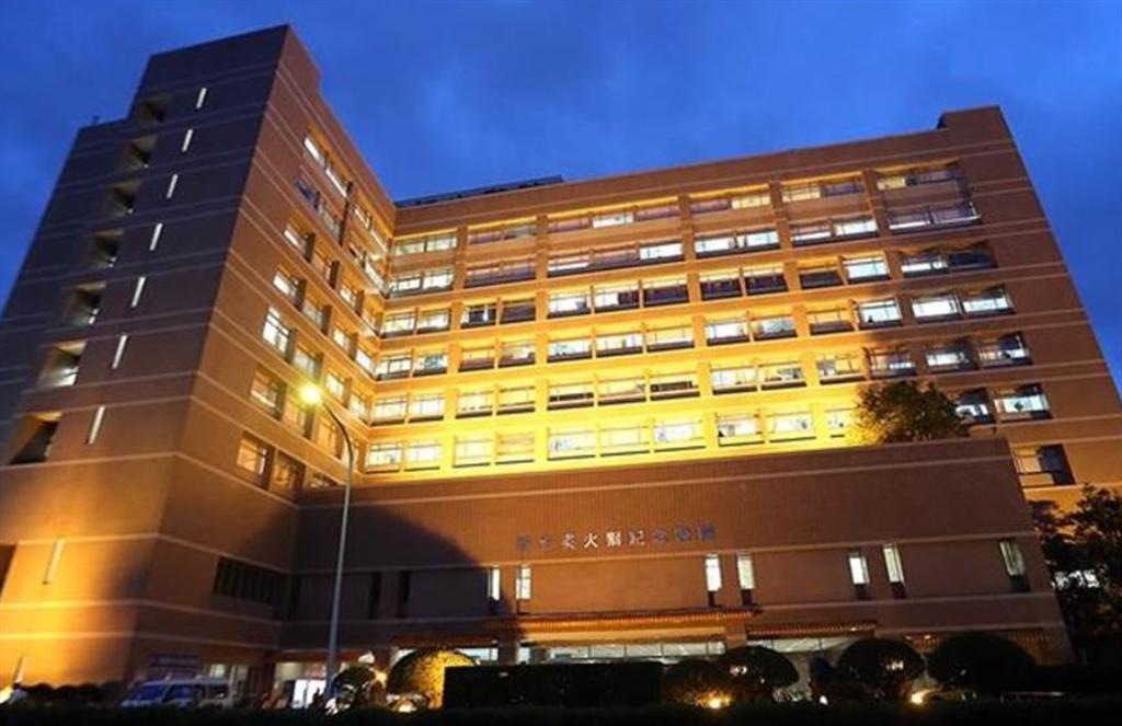 新光醫院副院長洪子仁表示,這次可以找到案1203,主要是因為醫院自從諾富特飯店4月29日傳出有確診者後,醫院就全院動起來,擴大採檢後,每天增加到20至30人,檢驗量成長30倍,才得以揪出。(示意圖/本報系資料照)