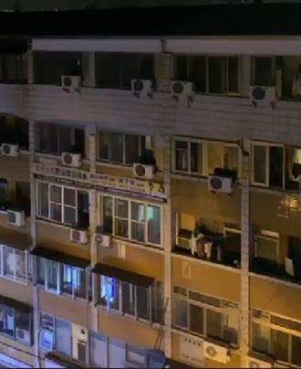 逢甲商圈套房半夜竄黑煙 老闆娘急用「獅吼功」叫30名學生逃命