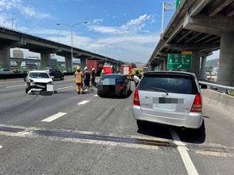 國道1號五股交流道3車追撞  1人臉部挫傷送醫