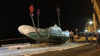 漁船離奇消失!海巡見水面漂油汙才知船沉了