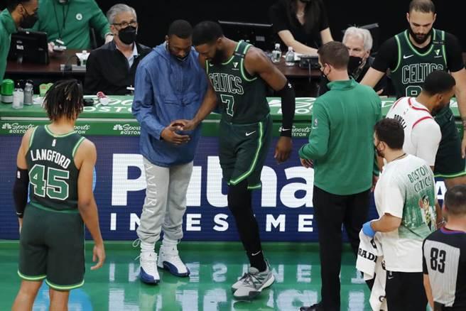 NBA》塞爾提克痛失大將 傑倫布朗開刀報銷