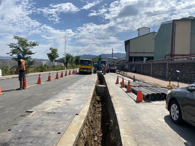 台中市府建設局透過統一挖補制度,協助水公司加速完成老舊管線汰換工程。(台中市府提供/盧金足台中傳真)