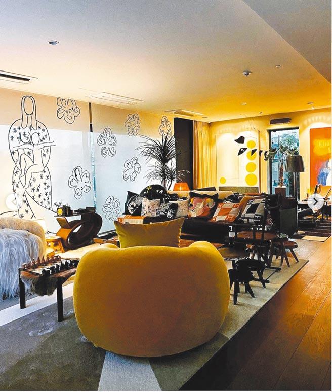 GD的豪宅內裝包含許多藝術品,光是軟裝部分就達百萬元起跳。(摘自GD IG)