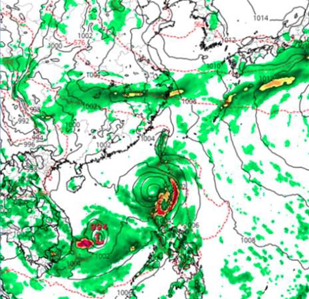 加拿大(CMC)模式模擬,下周五(21日)20時地面氣壓及雨量圖顯示,南海已有兩個「熱帶擾動」發展。(翻攝自 tropical tidbits)