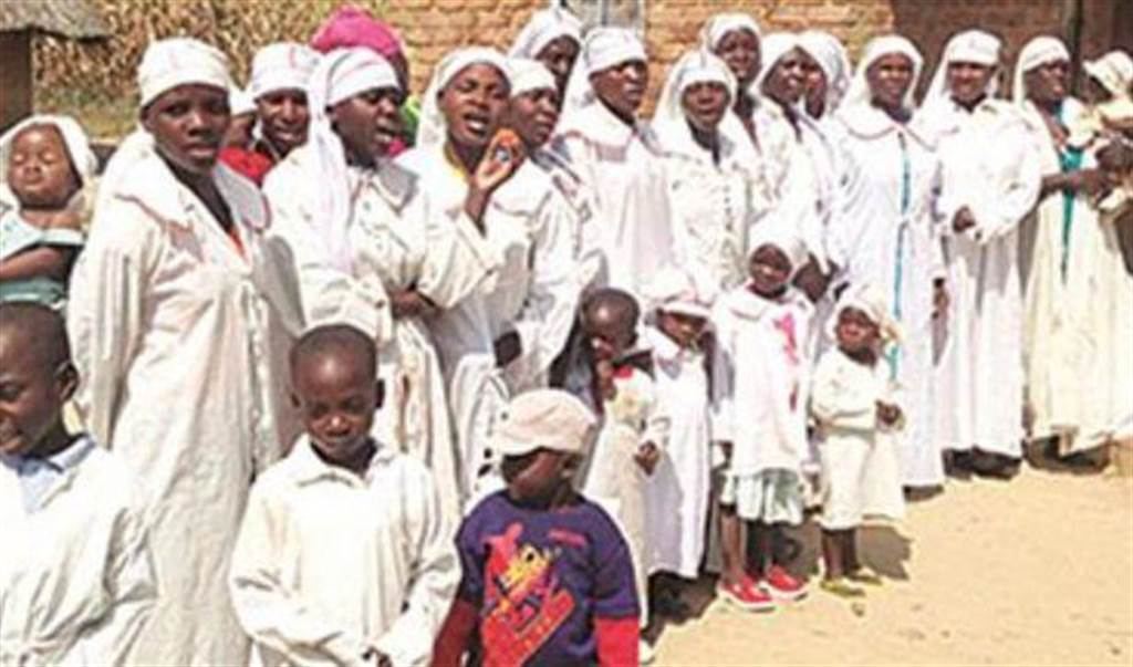 一名辛巴威男子的人生目標是「100妻1000子」,且要娶嫩妻才能滿足他。(照片來源:辛巴威pindula NEWS)