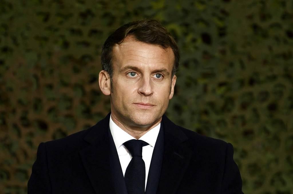 法國恐怖攻擊事件頻傳,數千名法國軍人9日發表公開信,指控法國總統馬克宏(Emmanuel Macron)對伊斯蘭主義「妥協」,恐讓法國陷入「內戰」。(資料照/TPG、達志影像)