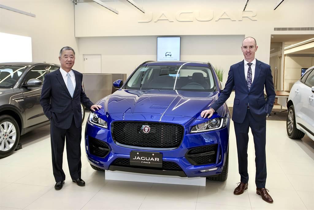 Jaguar Land Rover Taiwan總經理Garth Turnbull與九和汽車總經理陳貽彬攜手拓展經銷據點、深化服務能量,打造專屬層峰車主的嶄新用車體驗。