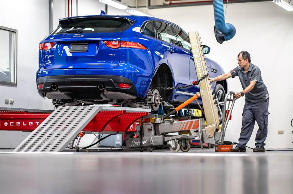 九和汽車擁有全台首二通過英國原廠鋁鎂合金車體檢測專業維修認證廠,分別於台北及台中各設獨立鋁鎂合金車體專業修護中心,提供Jaguar Land Rover鋁合金車體最專業的維修服務。