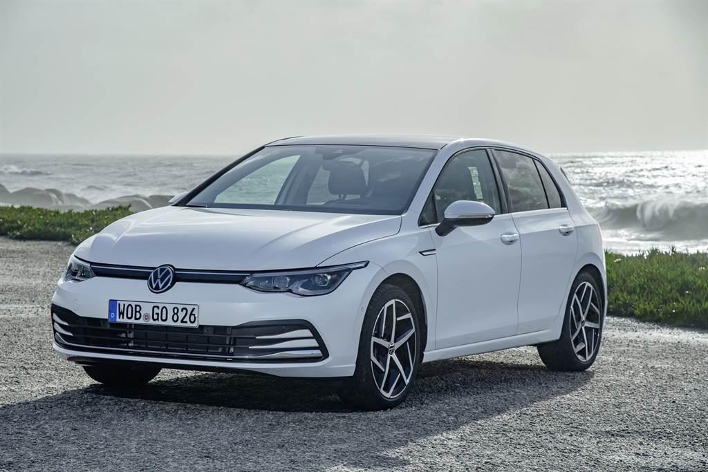 The Golf 第八代甫推出即成為2020年德國與歐洲地區銷量冠軍,並且獲得2020英國AUTOCAR最佳汽車大獎、2020德國汽車品牌大賽最佳外型與內裝設計獎與2021年德國年度汽車大獎。