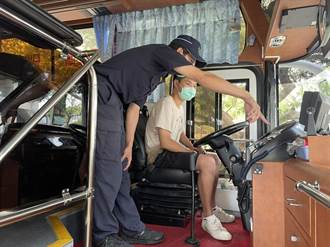 波麗士前進大學校園宣導機車安駕 守護學生行的安全