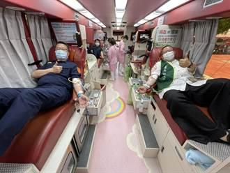 響應浴佛節捐血活動 平鎮警愛心捐熱血