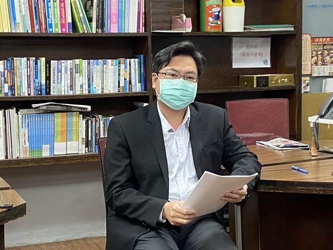教育部主秘廖興國說明校園防疫措施。(林志成攝)