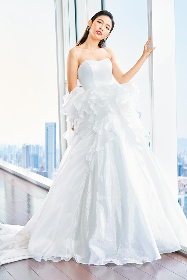 甜心主播劉宸希穿上2021秋冬Jasmine Galleria作品,擔任本季品牌形象代言人。(Jasmine Galleria提供)