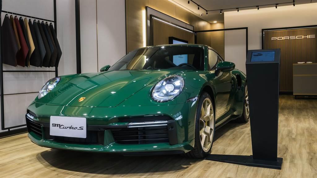 全台唯一 Porsche Exclusive Manufaktur 保時捷個人化自選色特殊烤漆 911 Turbo S 於Porsche NOW Tainan現場展示中。
