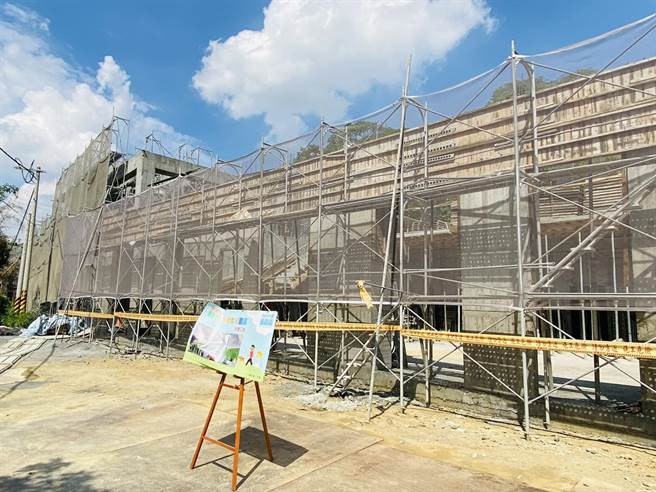 嘉義縣動物保護教育園區目前工程進度75%,預計今年9月完工,明年3月啟用。(張亦惠攝)