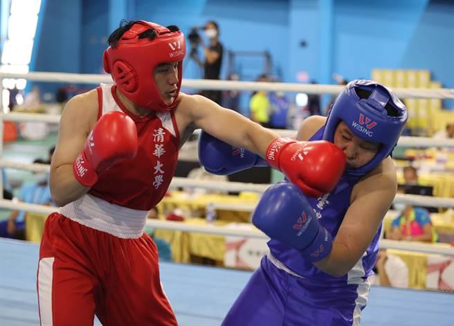 陳念琴(左)平時透過和男選手對抗模擬國際賽對手習性,來加以演練作戰方式。(運促會提供)