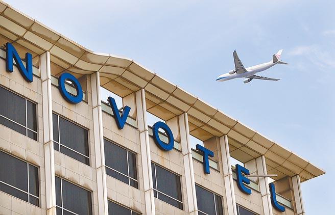 本土疫情連環爆,專家認為,機場事件引起社區感染的可能性高。(本報資料照片)