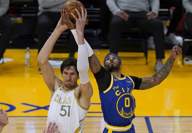 小培頓(右)是NBA傳奇球星蓋瑞培頓之子。(美聯社資料照)