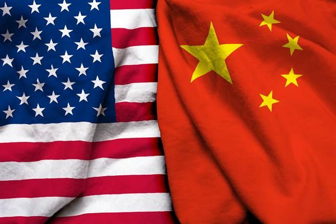 美國貿易代表戴琪(Katherine Tai)今天表示,美國需要新的貿易法律工具,以遏阻中國針對主要美國高科技產業的反競爭威脅。 (圖/shutterstock提供)