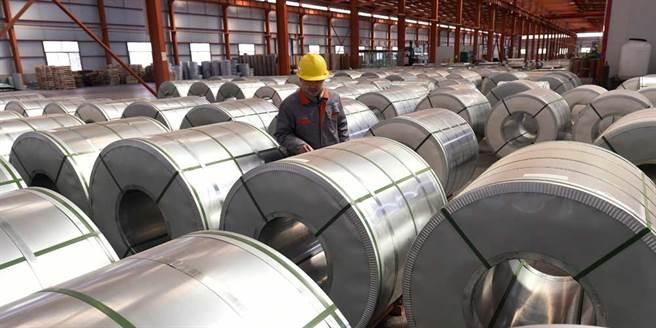 歐洲最大鐵礦石供應商開出第一槍,指稱南美供應下半年恢復,鐵礦石價格也將回跌。(美聯社)