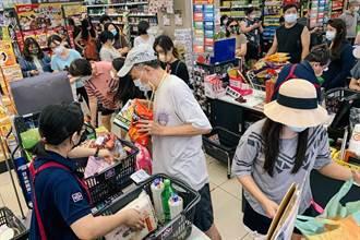 雙北半封城掀暴買潮 網分享「糧食教戰守則」:不要去跟無症狀者擠