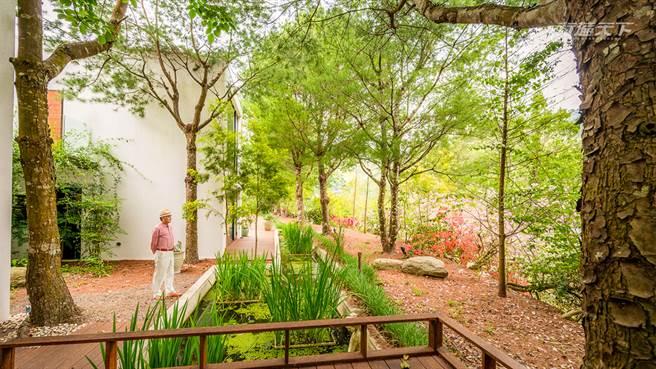 浪漫台3線旁的英式莊園 只有住客能獨享3千坪大的森林Villa。(圖/行遍天下提供)