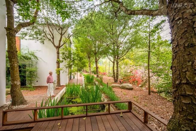 Villa區有自己的小庭院,即使只是靜靜賞景,都讓人感覺悠閒。(圖/行遍天下提供)