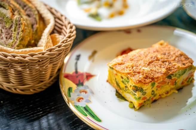八角的下午茶、早餐都是Michael & Lisa手工製作的餐點,用心養生的他們,也希望分享健康美食。(圖/行遍天下提供)