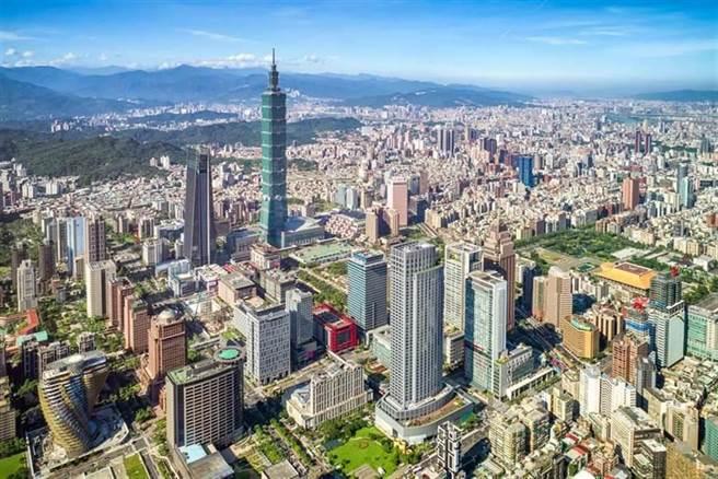 本土確診暴增雙北會封城嗎?資深媒體人陳揮文這樣說。圖為 台北市空拍照。(圖/本報系資料照)