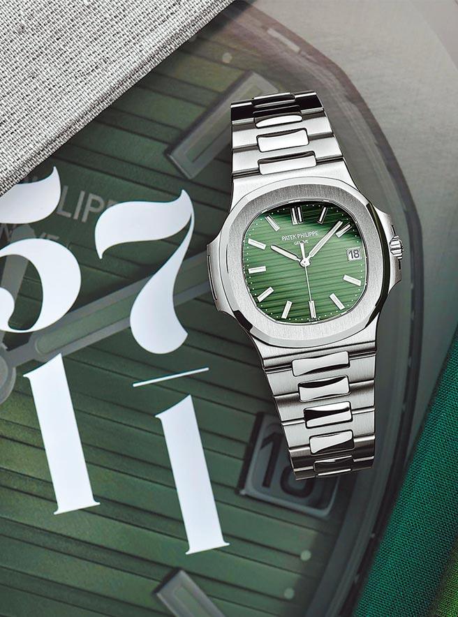 百達翡麗在表展端出金鷹Nautilus系列Ref.5711/1A腕表,而且是熱門的橄欖綠表盤,引領今年的「綠面時尚」。(Patek Philippe 提供)