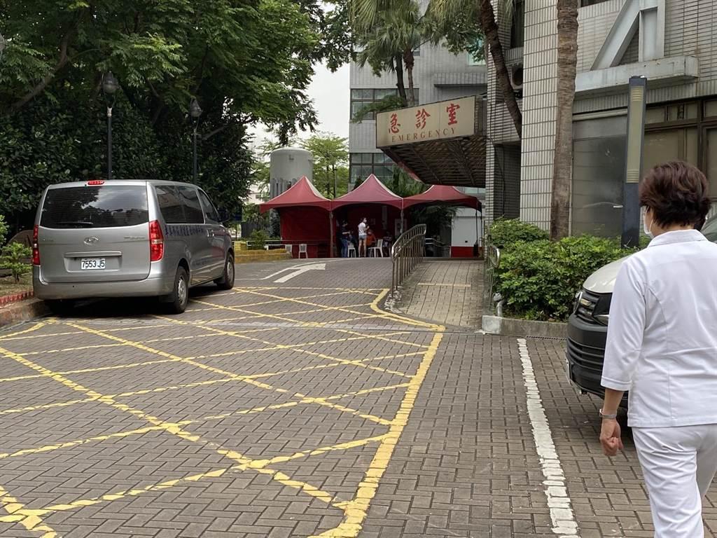 北市聯醫和平院區目前只出不進,導致萬華地區居民往外擴散篩檢。(本報資料照片)