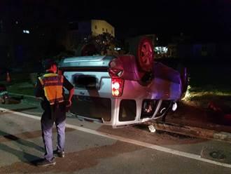 小金門自撞毀公車亭、消防柱 駕駛命大毫髮無傷