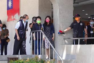 台中國中會考12考生發燒隔離應考 盧秀燕視察確保校園落實消毒