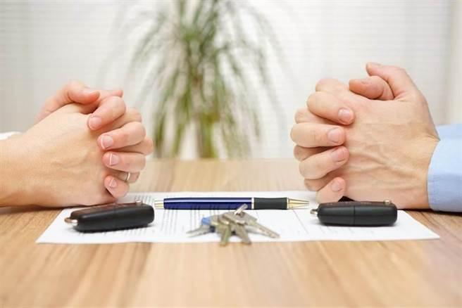 陸今年第1季離婚人數下降了72.15%。(達志影像/shutterstock提供)