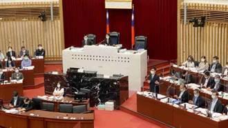 疫情「兵臨城下」 高市議會下午黨團協商是否延會