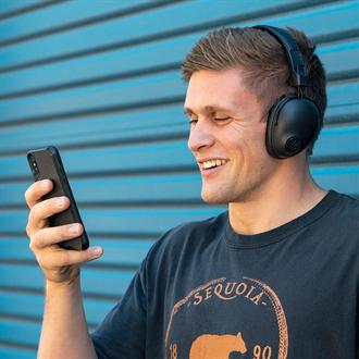 平價耳罩式藍牙耳機新紀元| JLab 推出 Studio Pro耳罩式藍牙耳機