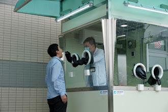 工研院挺防疫 搭建正壓式檢疫亭