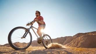 男子騎三輪車勇闖沙漠 失蹤50小時竟靠1瓶水獨撐