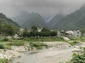 憂心外地遊客成防疫破口 花蓮秀林鄉封閉多處戲水景點
