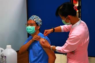 疫情爆發下一股暖流 4名長輩讓出疫苗名額給醫護