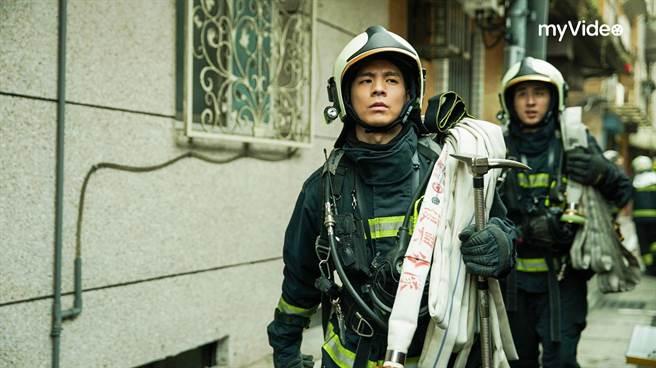 台灣大哥大、遠傳同步釋出序號,提供在家免費看OTT。圖為火神的眼淚劇照。(台灣大提供)