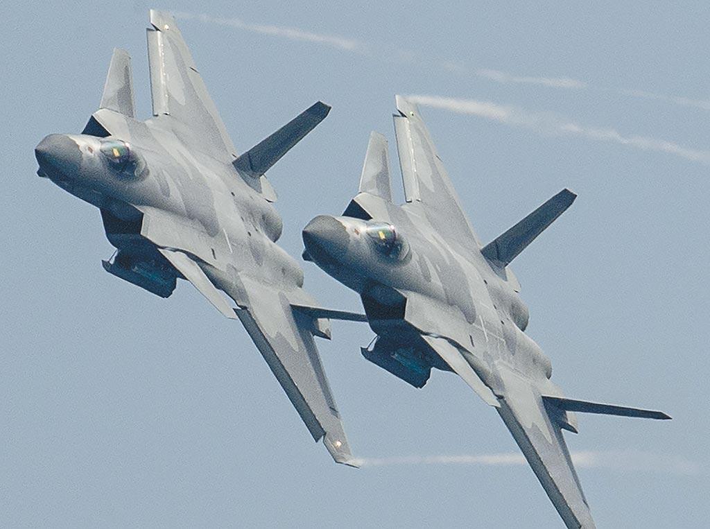 解放軍殲-20匿蹤戰機有可能參加今年7月1日中共百年黨慶活動。(新華社)